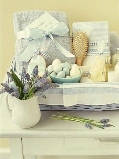 Here is another beautiful gift idea. This basket has a relaxing spa theme. (Martha Stewart Living, April 2000)