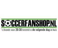 Krijg bij Soccerfanshop.nl korting op alle dames voetbal artikelen van sport bh's tot voetbalschoenen.