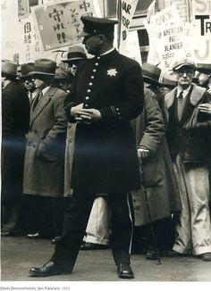 Dorothea Lange - The great depression, street demonstration 1933