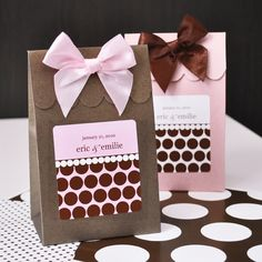 At last! These finely crafted, sturdy favor boxes make for the perfect way to package mouth-wateringly sweet surprises for wedding, wedding shower or baby shower guests. They're both fun and fanciful with customizable dot and stripe labels reminiscent of classic sweet shoppe goodie bags. $6.26 for a set of 12 at www.CreativeWeddingStyle.com
