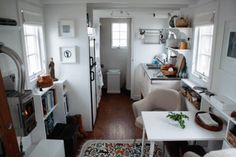kleinerwohnen:    Here we find more of a tiny house I had here before. It is a nice piece of inspiration.    love the white walls and full size kitchen