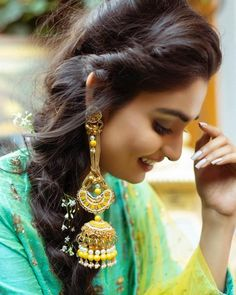 Tips On Choosing Beautiful Jewelry To Enhance Your Personal Style. If you just received a piece of jewelry from an inheritance or as a gift, or you just bought a piece on your own, you probably want to know more about jewe Indian Jewelry Earrings, Indian Wedding Jewelry, Ear Jewelry, Bridal Jewelry, Silver Jewelry, Silver Rings, Jewelry Making, Heavy Earrings, Drop Earrings