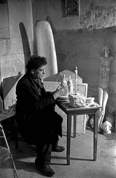 Émile Savitry - Alberto Giacometti in his studio Hippolyte Maindron street, Paris, 1946