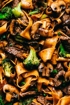Garlic Beef and Broccoli Noodles is made with tender melt in your mouth beef in the most amazing garlic sauce. Add some mushrooms, broccoli and noodles for an amazing meal in one! Broccoli Beef, Broccoli Recipes, Noodle Recipes, Asian Broccoli, Asian Recipes, Beef Recipes, Healthy Recipes, Ethnic Recipes, Healthy Nutrition