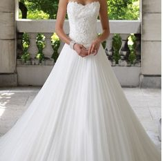 I like chiffon wedding dresses. Sophisticated, simple and sexy