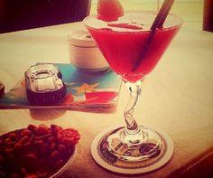 #коктейль #напиток #кафе #клубника