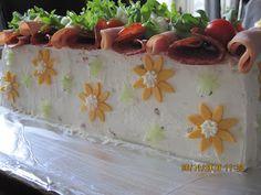 KaKkUtAiKuRi: Kinkku-salami -voileipäkakku