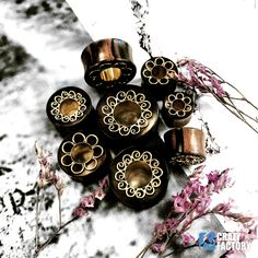 ▪ WOOD TUNNEL ▪ Available in size 8mm-30mm and prices start from 9.99 €/$11.79 #crazyfactorypiercing #crazyfactory #staycrazy #piercing #piercings #bodypiercing #bodypiercings #safepiercing #jewelry #bodyjewelry #fashion #highfashion #surfacepiercing #picoftheday #instapiercing #piercingsofinstagram #igers #instagood #alternativefashion #tunnel #tunnels #wood #woodtunnel #organic #natural