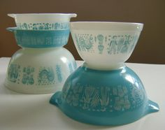 Turquoise Butterprint Pyrex Bowls. These appeal to my Amish side ;)