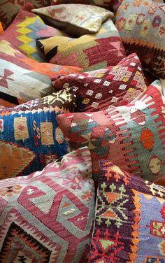 fundas kilim para tapizar los cojines