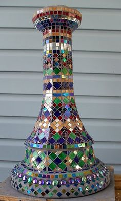 Mosaic bird bath base by Bamasusanna. Stunning idea!