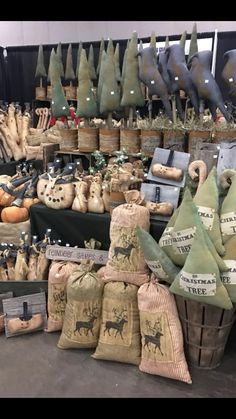 Christmas Ideas, Christmas Tree, Christmas Ornaments, Primitive Patterns, Winter Decorations, Young At Heart, Booth Ideas, Store Fronts, Primitives