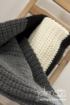 My husband would love this. Super easy fast beginner chunky crochet blanket001 http://www.thesweetersideofmommyhood.com/blog/art/2013/04/chunky-crochet-blanket/