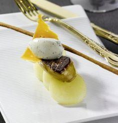 Poêlée de foie gras de canard, pomme de terre fondante Macaron Foie Gras, Come Dine With Me, Fine Dining, Food Styling, Entrees, Dishes, Cooking, Breakfast, Ethnic Recipes