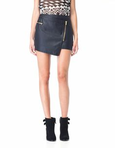 leather skirt, ohh <3