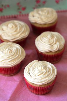 Kitchen Grrrls.: What's Vegan and Vanilla All Over?