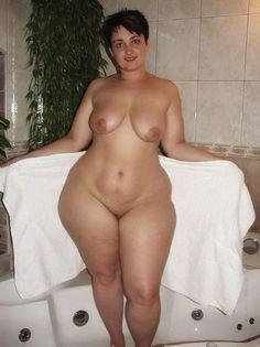 big girl nude pics lesbians kissing pussy