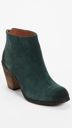 Gorgeous color! Vince Camuto Bootie