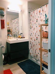 A Small Boston Studio Apartment Has One of the Best DIY Bedroom Lofts Ever – Loft İdeas 2020 New York Studio Apartment, Tiny Studio Apartments, Studio Apartment Decorating, Apartment Therapy, Cool Diy, Bedroom Loft, Diy Bedroom, Ikea Couch, Small Room Design