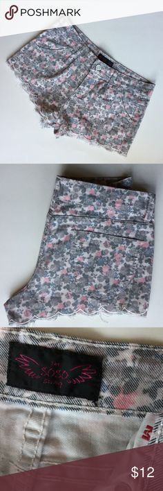 Shorts Cute floral scalloped  The SoSo Story shorts in cute floral with scalloped hem line. Pink, blue, gray, white and black muted floral. Inseam is 2 inches, Waist 14 inches. Hips 17 to 17 1/2. Front rise is 9 inches. Size Medium. Good condition. The SoSo Story Shorts
