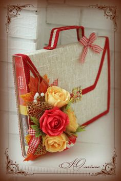 Gallery.ru / Фото #121 - Конфетные композиции - jylianna Gift Hampers, Gift Baskets, Candy Flowers, Cardboard Paper, Chocolate Bouquet, Paper Crafts, Diy Crafts, Chocolate Gifts, Fun Crafts For Kids