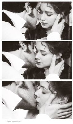 This moment is the most beautiful moment of the film and cannot be fully appreciated until one has watched the entire film! Period Movies, Period Dramas, Movies Showing, Movies And Tv Shows, North And South, Movie Kisses, Ella Enchanted, Elizabeth Gaskell, John Thornton