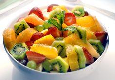 Vous avez envie d'un dessert frais et fruité ?Laissez-vous séduire par la vedette de l'été,la salade de fruits. Ah oui,et c'estencore meilleur avec des fraises. La preuve.
