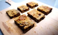 Super moist and fudgy 'blondies', made gluten-free and vegan-friendly, dotted with dark chocolate chips. Unlike many other healthier blondie recipes out there, this one uses no b…
