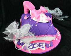 Fashion Inspired Fondant - Pillow Cake Princess Style, Princess Fashion, Disney Princess, Pillow Cakes, Cute Cakes, Creative Cakes, Fondant Cakes, Balloon Decorations, Baby Shower Cakes