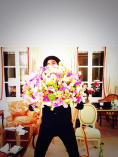 Mika and his flowers from Karl Lagerfeld