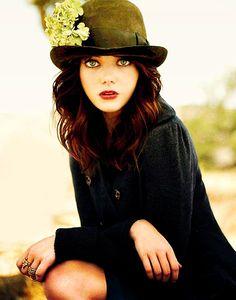 A black hat is very beautiful