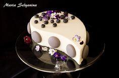 Этот торт я показывала еще в июне и даже рассказывала его историю и почему он так называется, это из области очень личного и сокровенного. Я делала его еще до…