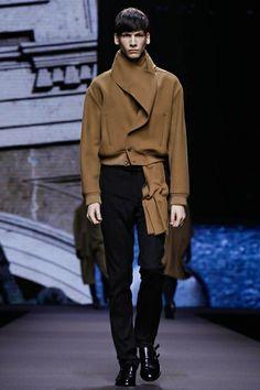 Ermenegildo Zegna Menswear Fall Winter 2014 Milan - NOWFASHION  Jacket neckline got my attention. Like vertical welt pockets.