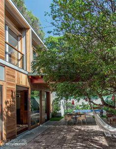 Casa com vista para praça preserva a intimidade dos moradores - Casa