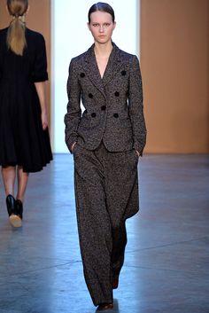 Looks like that Strictly Me-piece of Winter 14/15. Derek Lam - Fall 2015 Ready-to-Wear - Look 19 of 40