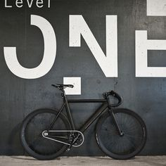 Hipster fixie bicycle – matte black finish