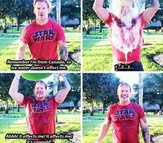 Chris Jericho doing the ice bucket challenge XD Chris Jericho, Wwe Dean Ambrose, Wwe Funny, Kenny Omega, Wwe Tna, Wrestling Wwe, Lucky Ladies, Thing 1