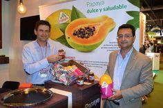 Productores de Almería, Málaga y Murcia se unen en 'Papayal' La papaya se mueve y de qué modo. Un grupo de empresas han creado una marca común, 'Papayal', que aglutina en su seno a productores de papaya de Almería, Murcia y Málaga. #agricultura #agriculture #papaya #Almeria