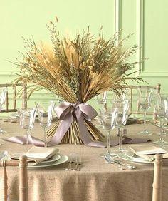 На кухне в стиле кантри самое место для букета из сухих цветов