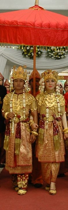 Image detail for -Aesan Gede is traditional wedding costumes of South SumatraIndonesia ...