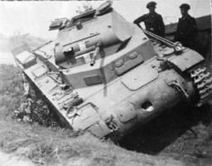 Panzer II Ausf C destroyed and battle-damaged in Poland 1939 Panzer Ii, Mg 34, Diorama, Invasion Of Poland, Warring States Period, Ww2 Tanks, Military Equipment, Korean War, Armored Vehicles