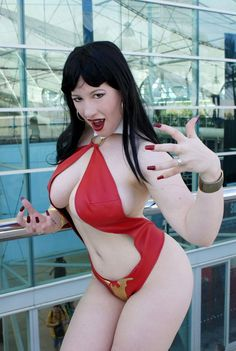 Vampirella Cosplay by-american-belle-chere