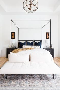 Scandanavian Modern Bedroom Design to De-clutter The Mind and Body scandinavianstylebedroomfurniture bedroomset Dream Bedroom, Home Decor Bedroom, Modern Bedroom, Master Bedroom, Bedroom Ideas, Peaceful Bedroom, Design Bedroom, Minimalist Bedroom, Minimalism Living