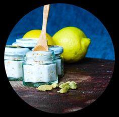 DIY lemon & cardamom salt - langsamfood Cool Diy, Guacamole, Salt, Lemon, Cool Stuff, Ethnic Recipes, Food, Rezepte, Cool Crafts