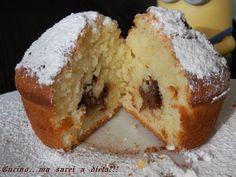 Dei morbidissimi Muffin alla Nutella per soddisfare ogni tipo di palato. Una ricetta velocissima e facilissima da fare.