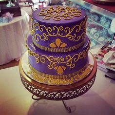 Purple & gold sweet 16 cakewww.facebook.com/carinaedolce  #carinaedolce www.carinaedolce.com Purple Gold, Sweet 16, Facebook, Cake, Desserts, Food, Pie Cake, Meal, Sweet Sixteen