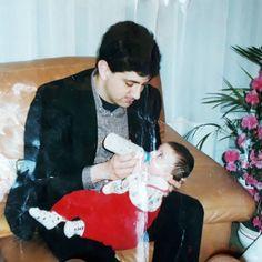 1998 avec Antoine.  Je tiens à préciser que la photo n'a pas été prise chez moi.  En revanche ce sont bien mes vêtements.