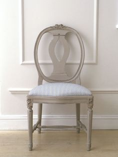 Merveilleux Going To Paint My Swedish Chairs Like This