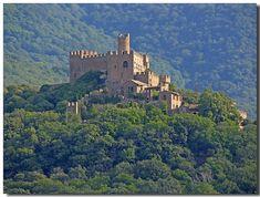 El Castillo de Requesens, en Cantallops, cerca de la Jonquera, Girona, Costa Brava España.
