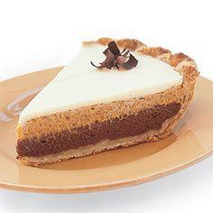 Triple-layer Chocolate Pumpkin Pie--yummy, good with GF graham cracker crust too. Best Pumpkin Pie Recipe, Pumpkin Recipes, Holiday Pies, Holiday Recipes, Holiday Foods, Just Desserts, Delicious Desserts, Elegant Desserts, Dessert Healthy